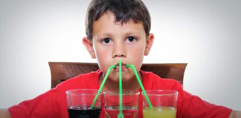 ¡Pues sí! los refrescos contienen demasiado azúcar y perjudican la salud