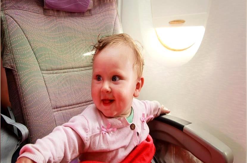 bebé-en-avión