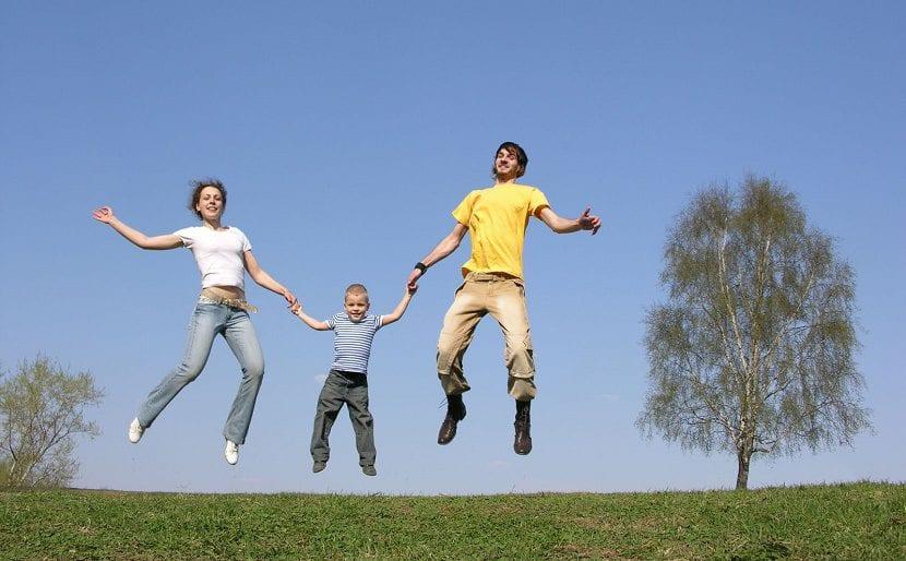 ensenar nenes amor familia