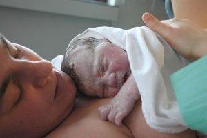 """""""El parto es un acto de amor pleno entre dos seres"""" (Michel Odent)"""