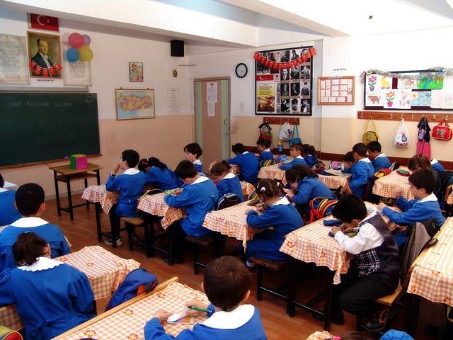 student-2-1259429-640x480