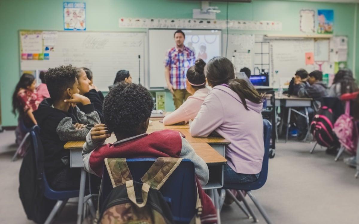 Hay que enseñar de manera distinta a los alumnos