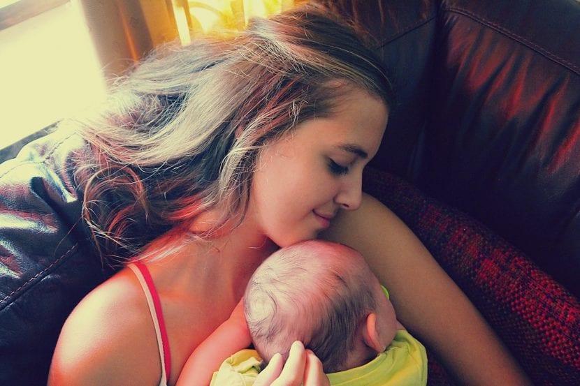 Apego infantil entre madre e hijo