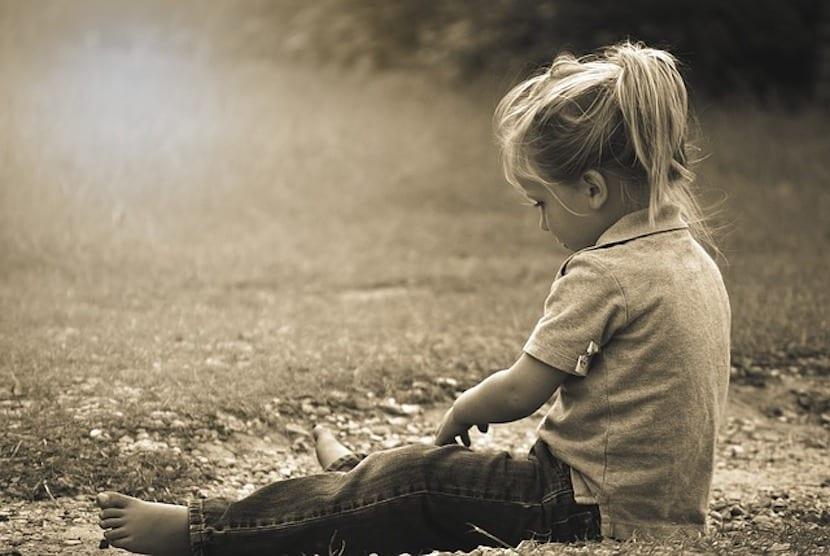 Hablar del suicidio con los niños: sin mentiras y aceptando sus emociones