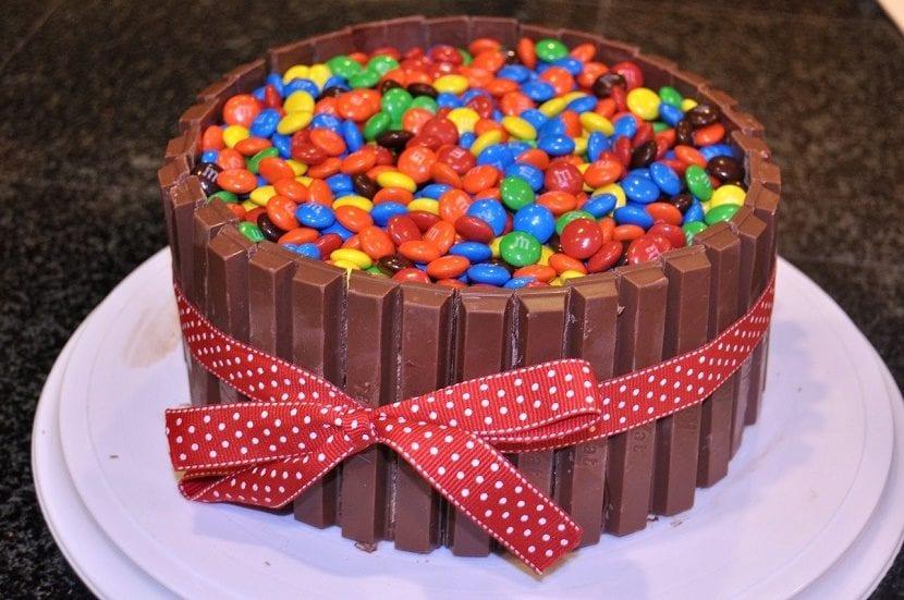 Торт из шоколадок и конфет своими руками фото 582