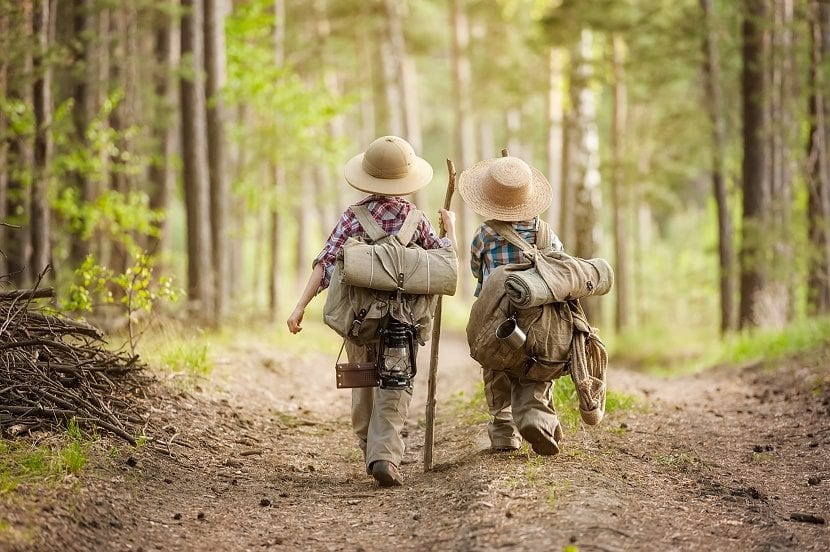 senderismo niños exploradores