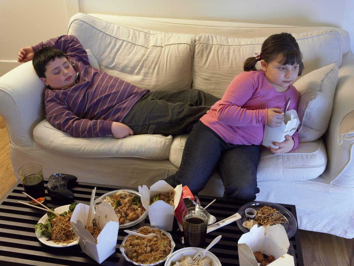 el sobrepeso se alimenta con publicidad engañosa