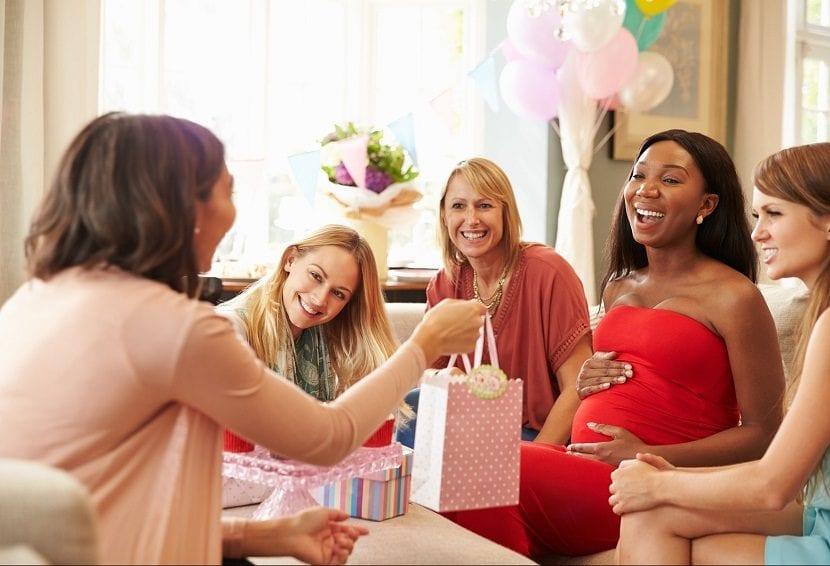 Celebrar una baby shower