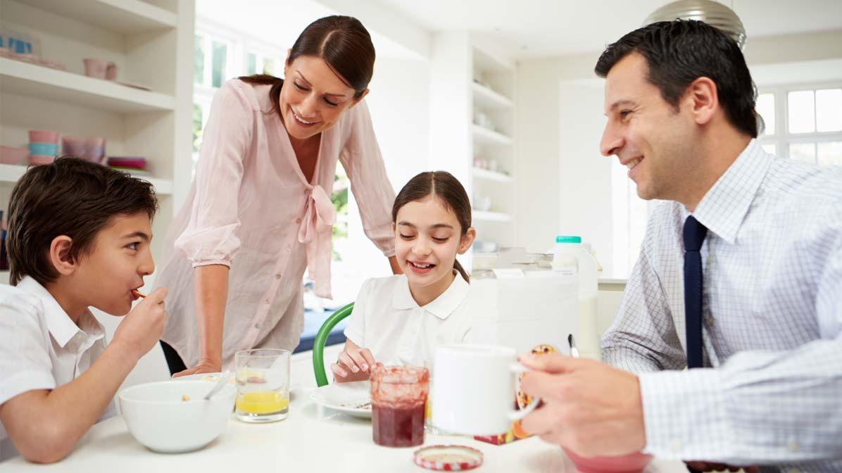 desayunando en familia