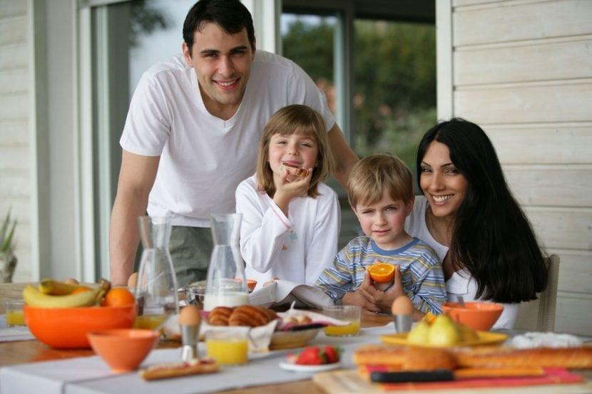 desayunar en familia para mejorar las relaciones