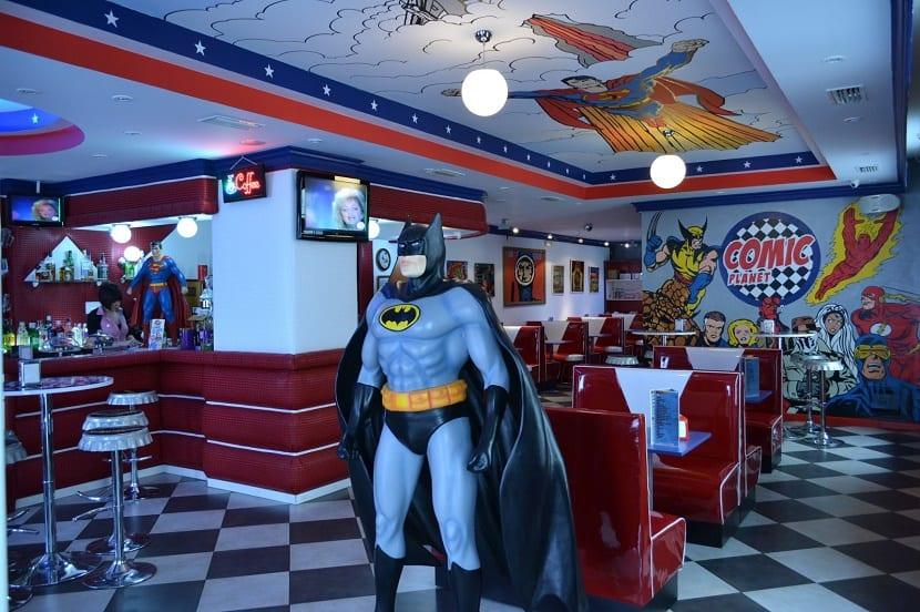 los mejores restaurantes para ir con niños comic planet batman
