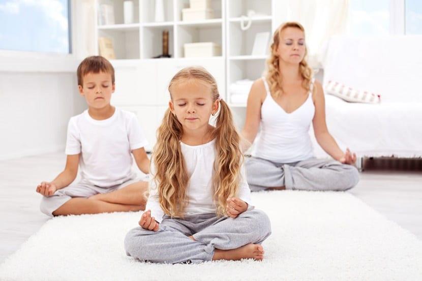 Yoga para niños meditación con el yoga