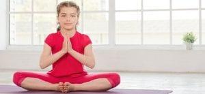 Yoga para niños niña yogui