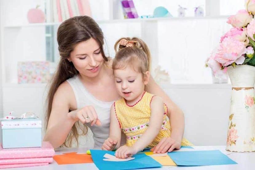 Madre e hija manualidades