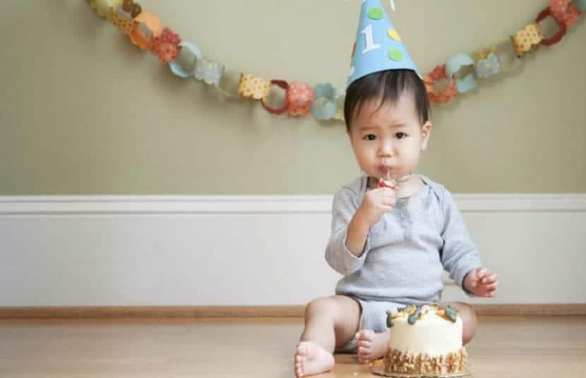 Bebé en su primer cumpleaños