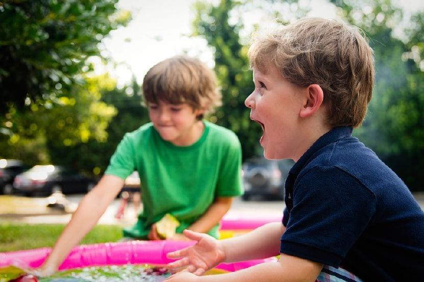 beneficios jugar al aire libre