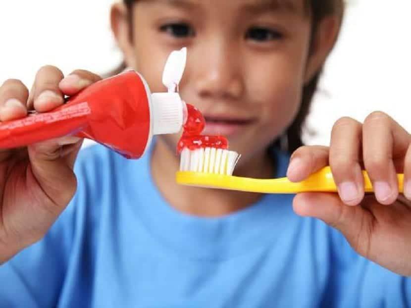 Cepillos de dientes para niños  en que se diferencian según su edad d933aa23e281
