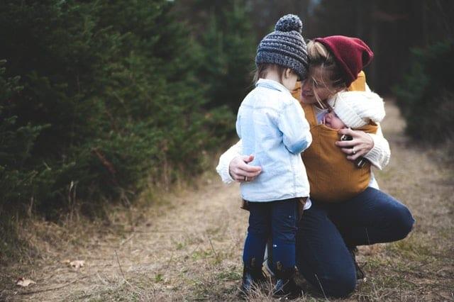 Madre con bebés