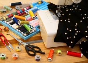 Máquina de coser y útiles de costura