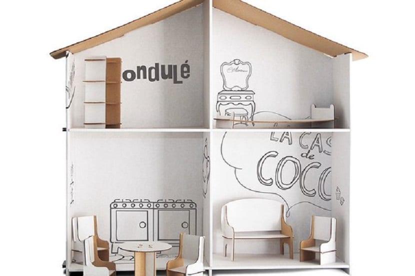Casa de muñecas reciclada