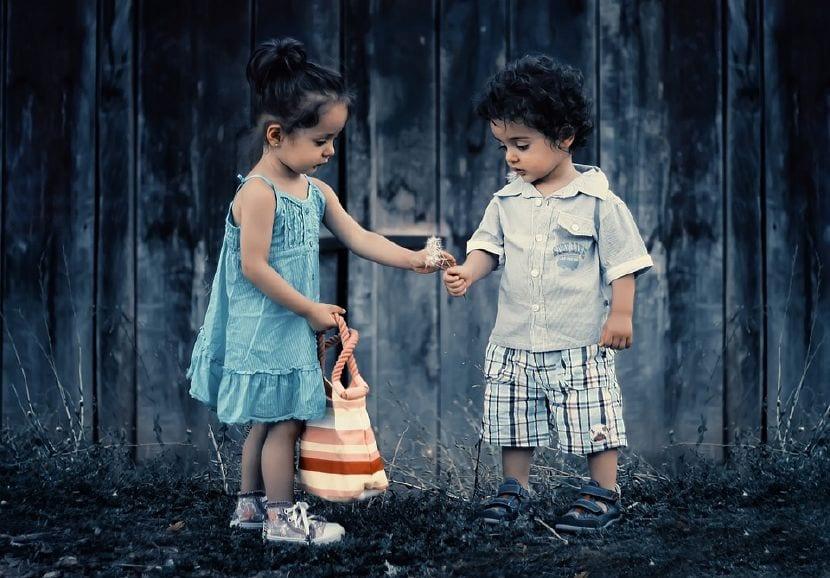 enseñar gestionar emociones niños
