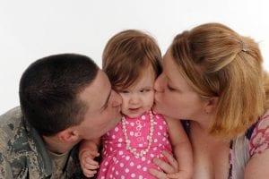 Familia con niña sordociega