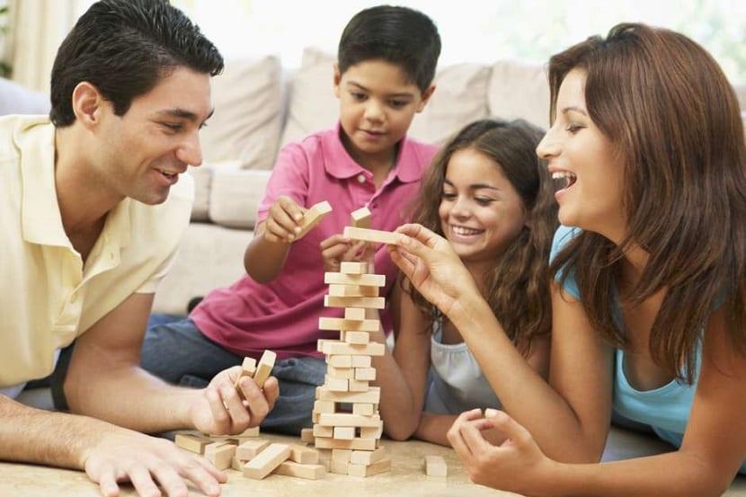Juegos de mes en familia