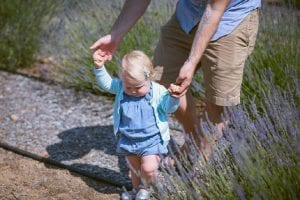 razones niños tardan caminar