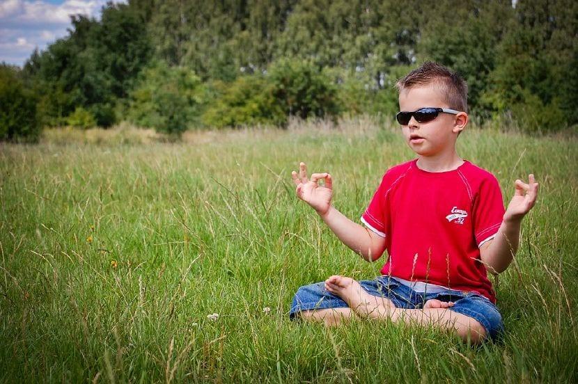 beneficios meditación niños