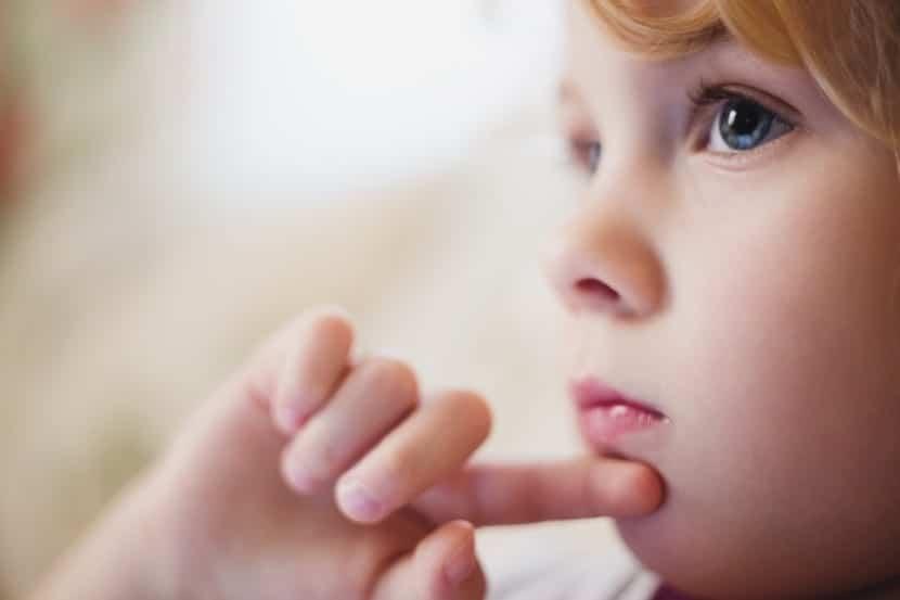 nena pensando