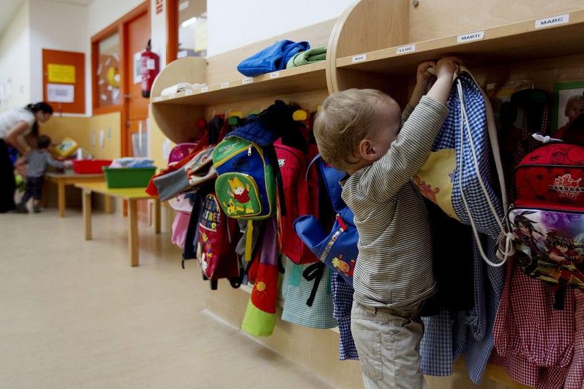 Niño en escuela infantil