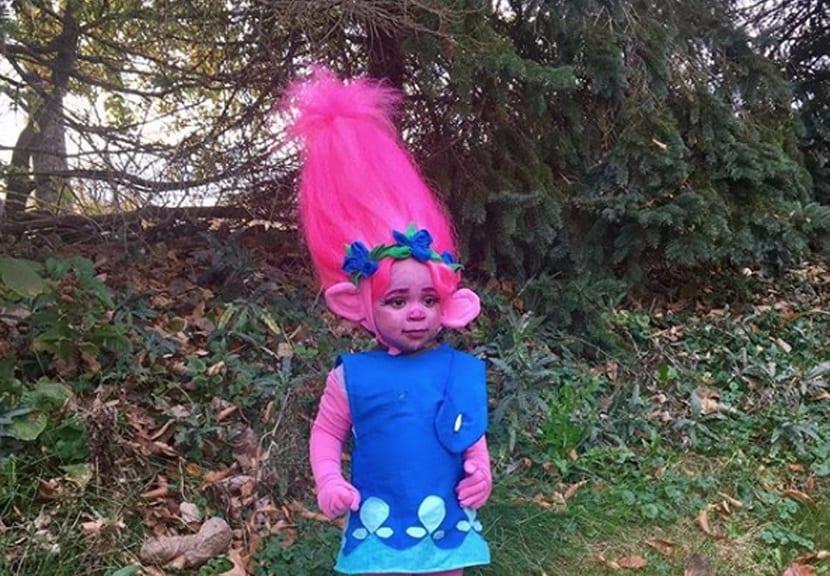 Disfraz de troll para niña