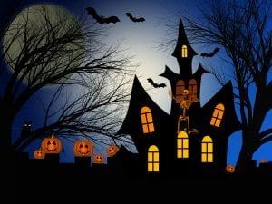 Castillo en la oscuridad rodeado de elementos aterradores.