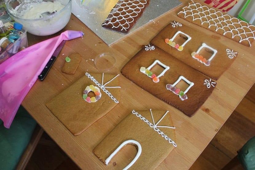Decoración de galletas para casa de jengibre