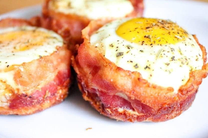 Muffins de bacon y huevo