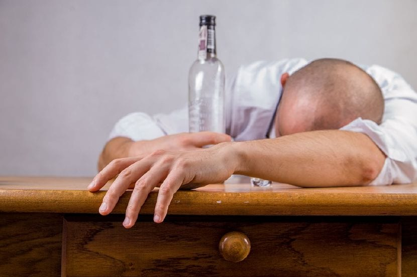 relación alcohol familia