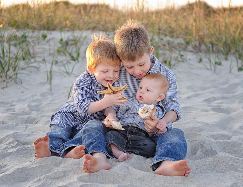 Tres hermanos pequeños