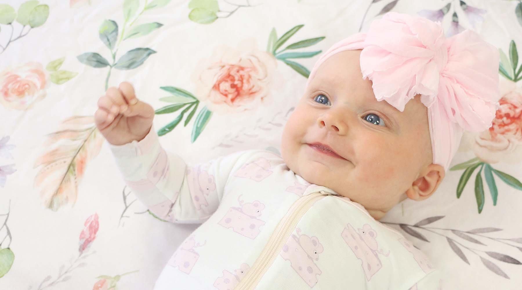bebé preciosa sonriendo