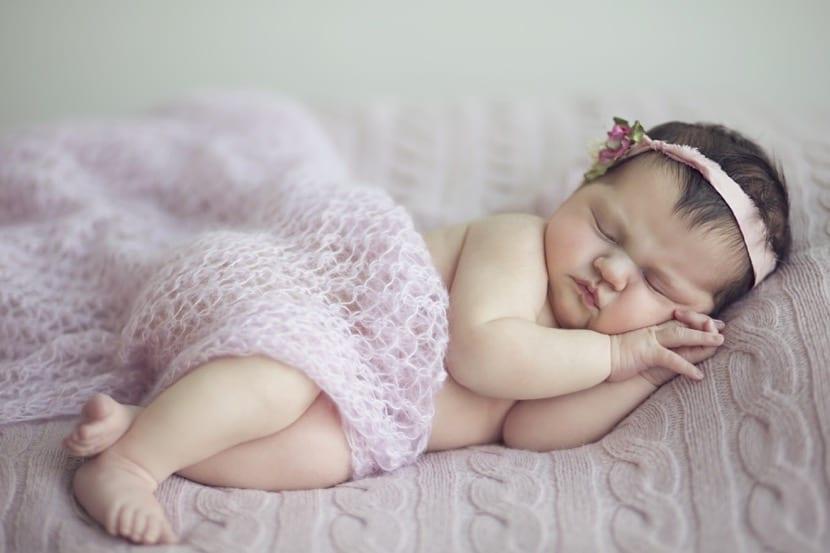 sesion de fotos de bebe durmiendo