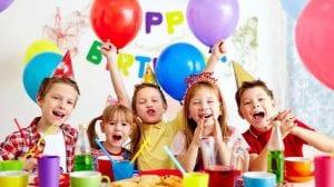 Niños en una fiesta infantil
