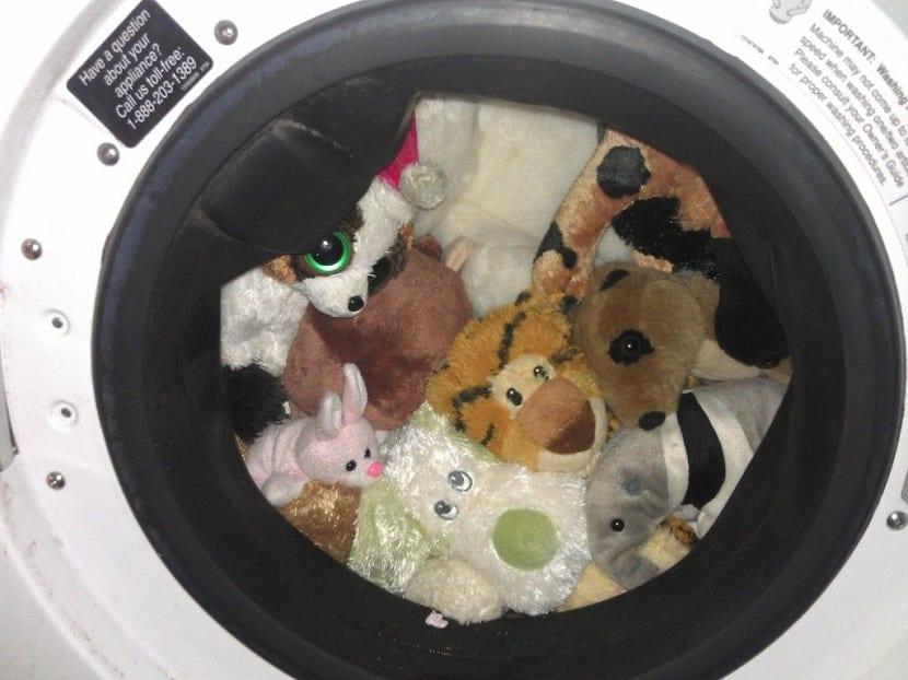 Peluches en la lavadora