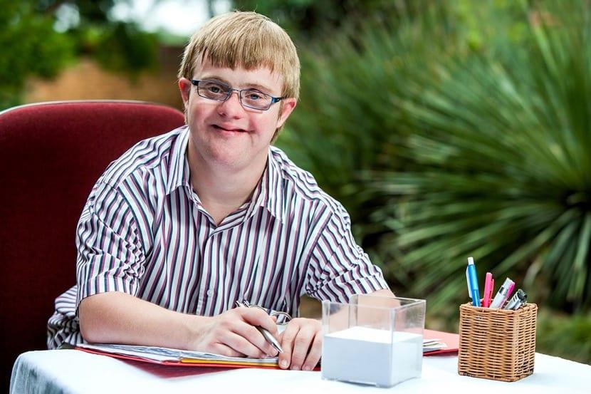 adolescente con sindrome de down y discapacidad intelectual