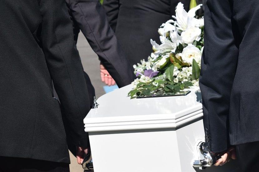 Funeral por el entierro de un hijo
