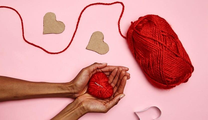 Corazón de lana DIY