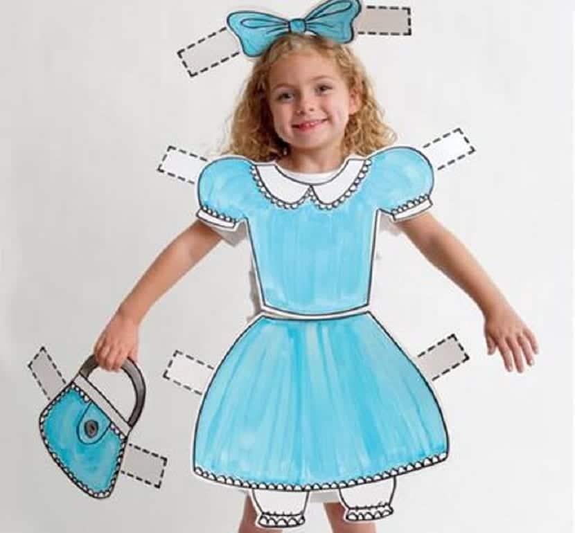 Disfraz de muñeca recortable