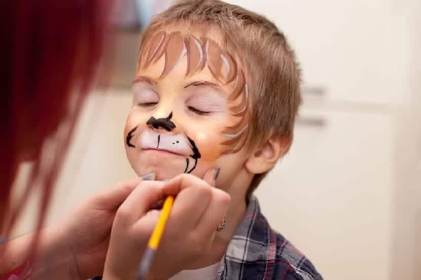 Maquillaje de león