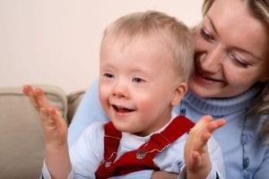madre con hijo con sindrome de down