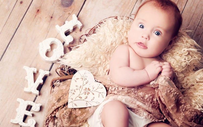 preciosa bebe para foto