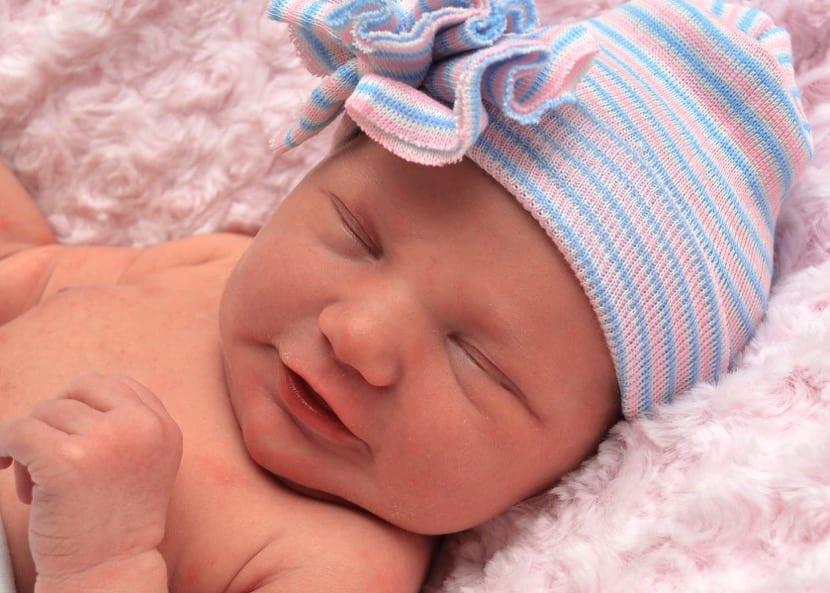 nena recien nacida muy bonita