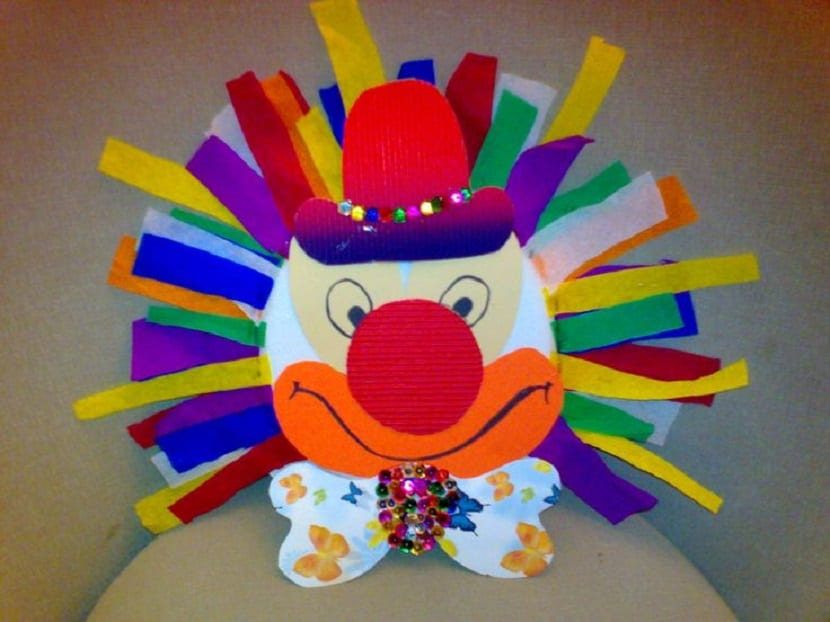 Payaso de papel para carnaval